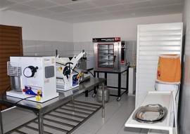 industria de alimentos sitio de varzea foto walter rafael 31 1 270x191 - Ricardo entrega equipamentos a empreendedoras rurais na cidade de Pombal
