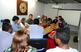 08 06 15Reunião do proalimento foto Alberto Machado 2 270x172 - Representantes de associações de moradores de Patos discutem projetos de habitação