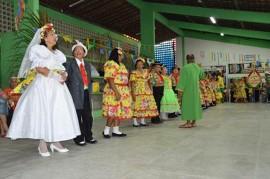 1CSU SantaRita CláudiaBelmont 270x179 - Centros Sociais Urbanos comemoram período junino com quadrilhas e comidas típicas
