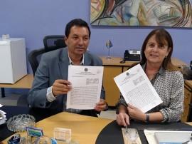 aristeu chaves e margareth diniz 2 270x202 - Detran e UFPB firmam parceria para executar projetos de pesquisa e reativam convênio de estágio
