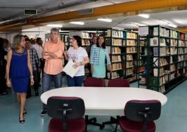 biblioteca espaço cultural 21 270x191 - Governador reabre biblioteca e entrega unidade de treinamento de tiro e viaturas