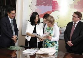 vice governadora recebe embaixador da filandia foto jun ior fernandes 4 270x191 - Governo da Paraíba firma parceria com a Finlândia na área de Educação