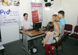 08 07 15 procon pb na feira mostra brasil foto walter rafael 270x192 - Governo disponibiliza serviços durante multifeira no Centro de Convenções