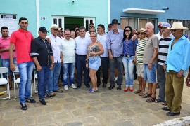 18.07.15 gov. adriano visita caraubas ©roberto guedes 6 270x180 - Governador em exercício visita cidades e obras do Anel do Cariri