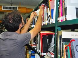 Biblioteca estante 270x202 - Governo promove capacitação para profissionais de bibliotecas públicas em São Bentinho