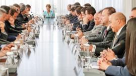 Dilma com Governadores 270x152 - Ricardo defende governabilidade e cobra agilidade nas ações do Governo Federal para os estados