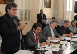 REUNIÃO BISPOS 114 270x191 - Ricardo debate questões hídricas com bispos e deputados