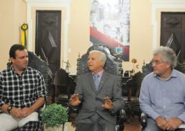 REUNI O PREFEITO DE UMBUZEIRO E LAU SIQUEIRA 2 270x191 - Governador em exercício discute criação de museu e melhoria de biblioteca em Umbuzeiro