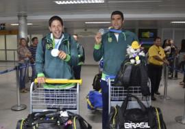 atletas paraibanos de volei foto walter rafael 3 270x189 - Paraibanos medalhistas do Pan desembarcam no Castro Pinto e são recebidos com festa