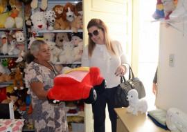 primeira dama eliane galdino visita cidade madura de cg foto claudio goes 11 270x191 - Primeira-dama em exercício visita Condomínio Cidade Madura em Campina Grande