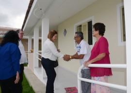 primeira dama eliane galdino visita cidade madura de cg foto claudio goes 2 270x191 - Primeira-dama em exercício visita Condomínio Cidade Madura em Campina Grande