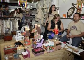 ricardo visita salao de artesanato cg foto walter rafael 175 270x191 - Salão de Artesanato supera meta de vendas e recebe mais 100 mil visitantes em Campina Grande