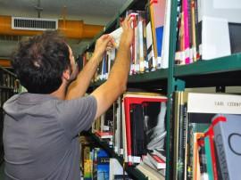 Biblioteca estante 270x202 - Palestra sobre o poeta Leandro Gomes de Barros é atração do Agosto das Letras nesta quarta-feira