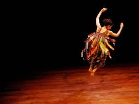 Cordo es Eduardo Ravi 2 270x202 - Teatro Paulo Pontes recebe solos de dança nesta sexta-feira