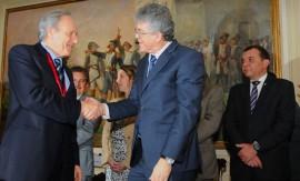 GOV ENTREGA MEDALHA MINISTRO RICARDO LEWANDOWSIC 6 270x163 - Ricardo entrega Medalha do Mérito ao presidente do STF