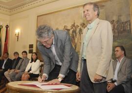 PORTO CABEDELO ASSINATURA DE CONVÊNIO 6portal 270x191 - Ricardo e ministro assinam convênio e garantem recursos para sinalização noturna do Porto