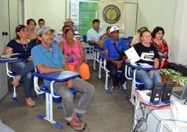 catadores da empasa 1 270x191 - Catadores de material reciclado participam de seminário sobre política de resíduos sólidos na Empasa