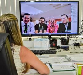 hagouts 3 270x244 - Canal de hangout da Secretaria da Educação realiza primeira transmissão na sede do Google