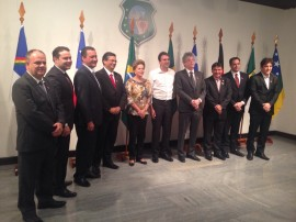 reunião Dilma 270x202 - Dilma reúne governadores do NE para discutir novas fontes de investimento na saúde