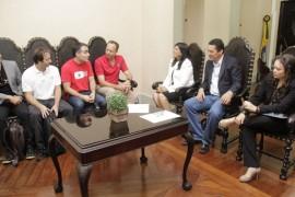 02.09.15 ligia reuniao google 1 270x180 - Vice-governadora discute formação de parcerias com o diretor mundial da Google Educação