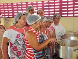 28.09.15 cursosso alimentos 3 270x202 - Governo promove cursos sobre fabricação de alimentos para fortalecer agricultura familiar