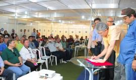 FEIRA AGROPECUARIA 1 270x158 - Ricardo assina medidas para beneficiar setor agropecuário