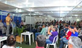 FEIRA AGROPECUARIA 10 270x158 - Ricardo assina medidas para beneficiar setor agropecuário