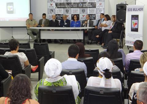 Lançamento do SOS Mulher reúne autoridades (Foto: Gov/PB)