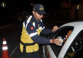 lei seca foto walter rafael 4 270x191 - 'Lei Seca' notifica 37 condutores por dirigir sob efeito de álcool no fim de semana