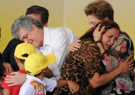 ricardo em CG com presidente DILMA foto jose marques 11 270x191 - Ricardo e Dilma entregam casas e beneficiam mais de 7 mil pessoas