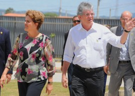 ricardo em CG com presidente DILMA foto jose marques 14 270x191 - Ricardo e Dilma entregam casas e beneficiam mais de 7 mil pessoas