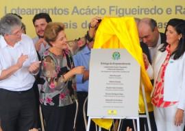 ricardo em CG com presidente DILMA foto jose marques 17 270x191 - Ricardo e Dilma entregam casas e beneficiam mais de 7 mil pessoas