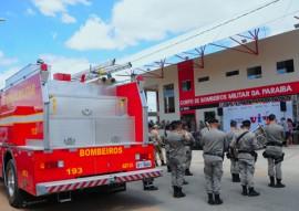 ricardo em SOUSA BOMBEIROS foto jose marques 1 270x191 - Ricardo entrega Batalhão dos Bombeiros e nova viatura de combate a incêndio em Sousa