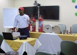 ses trauma capacita funcionarios em brigada de incendio 2 270x191 - Hospital de Trauma capacita funcionários para participar de Brigada de Incêndio