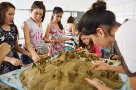 Ceart circulando Aula de modelagem com professor Get lio Martins 270x179 - Circulandô leva oficinas de arte às cidades de Rio Tinto, Areia e Guarabira