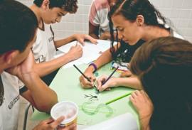 see alunos e professores de bayeux projeto pioneiro foto ascom3 270x183 - Governo capacita alunos e professores para trabalhar empreendedorismo com projeto pioneiro