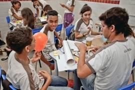 see alunos e professores de bayeux projeto pioneiro foto ascom4 270x180 - Governo capacita alunos e professores para trabalhar empreendedorismo com projeto pioneiro