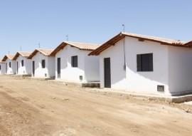 vice gov ligia realiza entrega de casas pela cehap no municipio de aguiar 2 270x191 - Vice-governadora entrega 40 casas na cidade de Aguiar