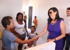 vice gov ligia realiza entrega de casas pela cehap no municipio de aguiar 3 270x191 - Vice-governadora entrega 40 casas na cidade de Aguiar