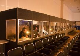 13.11.15 tradutores da onu cabines fotos alberi pontes 270x191 - Intérpretes ajudam a compreensão dos participantes do Fórum de Governança da Internet