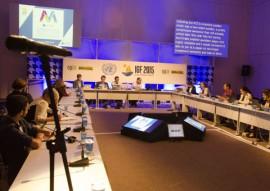 13.11.15 tradutores da onu fotos alberi pontes 9 270x191 - Intérpretes ajudam a compreensão dos participantes do Fórum de Governança da Internet