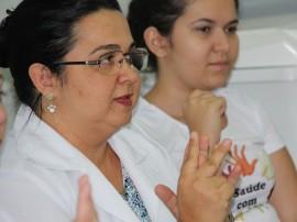 Proessora Ana Carla 270x202 - Funcionários do Hospital Regional de Patos são capacitados em Libras para atendimento a usuários surdos