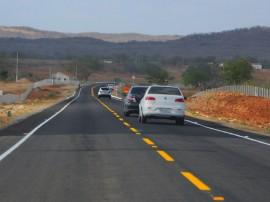 SÃO JOSE DOS CORDEIROS8 1 270x202 - Ricardo inaugura rodovia, entrega Creas e pavimentação de ruas no Cariri