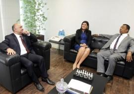 Vice Governadora Ligia com Ministro Esporte 270x191 - Vice-governadora discute com ministro liberação de R$ 1,5 milhão para Vila Olímpica