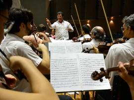 orquestra1 portal 270x202 - Orquestra Sinfônica da Paraíba encerra temporada 2015 com concerto natalino nesta quinta-feira