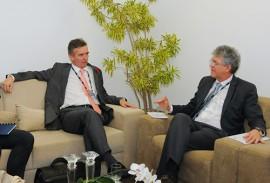 ricardo com embaixador da inglaterra foto jose marques1 270x183 - Ricardo discute parcerias com embaixadores do Reino Unido e da Alemanha