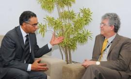 ricardo reune com investidor foto jose marques1 270x163 - Ricardo discute investimentos na área de Ciência e Tecnologia com executivo da Icann