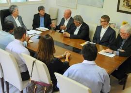 ricardo reuniao com empresarios foto jose marques1 270x191 - Ricardo recebe empresários americanos que vão instalar estaleiro na Paraíba