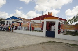 05.12.15 ricardo inaugura escola em mataraca fotos alberi pontes 2 270x178 - Ricardo inaugura escola e beneficia 800 estudantes em Mataraca
