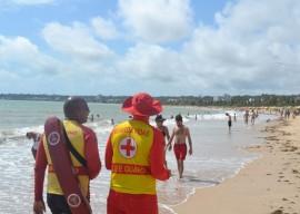 22.12.15 bombeiros orientacoes preventiva aqutico para feriado 2 270x192 - Corpo de Bombeiros orienta banhistas sobre segurança nas praias